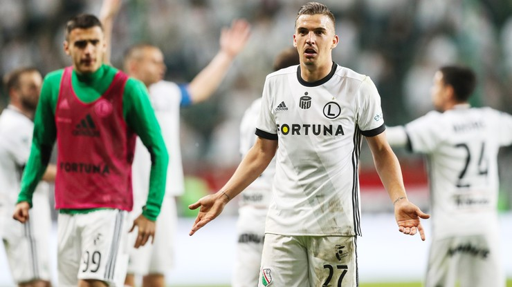 Carlitos znowu do wzięcia! Hiszpan rozwiązał kontrakt po... trzech miesiącach - Polsat Sport