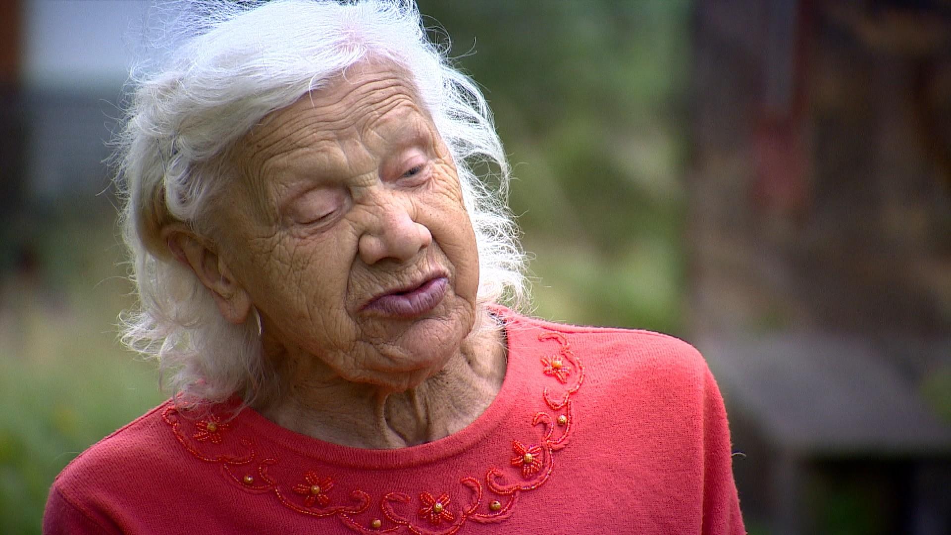 Były wójt chce pozbyć się 82-letniej lokatorki