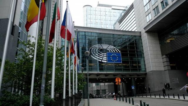 Parlament Europejski grozi palcem Polsce! Chodzi o edukację seksualną