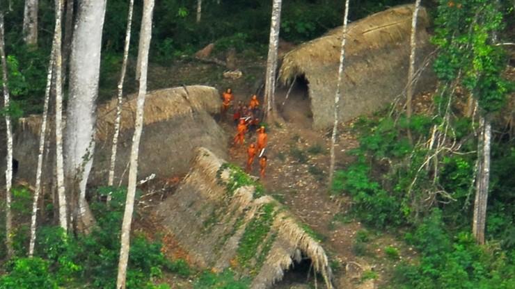 Przekonywał, że należy chronić ludy Amazonii. Tubylcy zastrzelili go z łuku