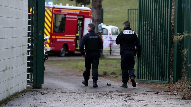 Francuska policja apeluje na Twitterze, by nie zbliżać się w okolicę parku