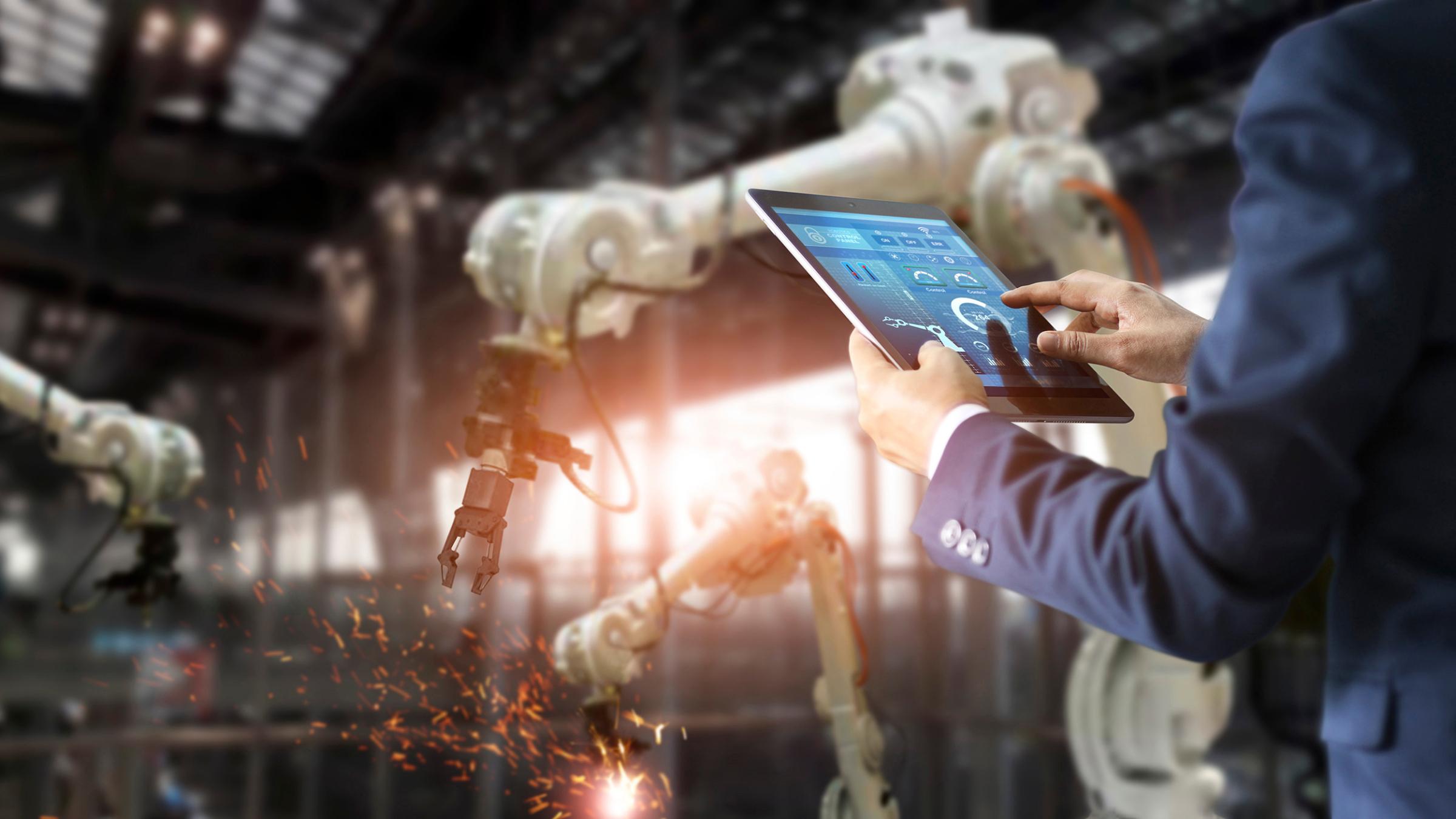 Siedem zasad dla sztucznej inteligencji. Bruksela chce cyberregulacji