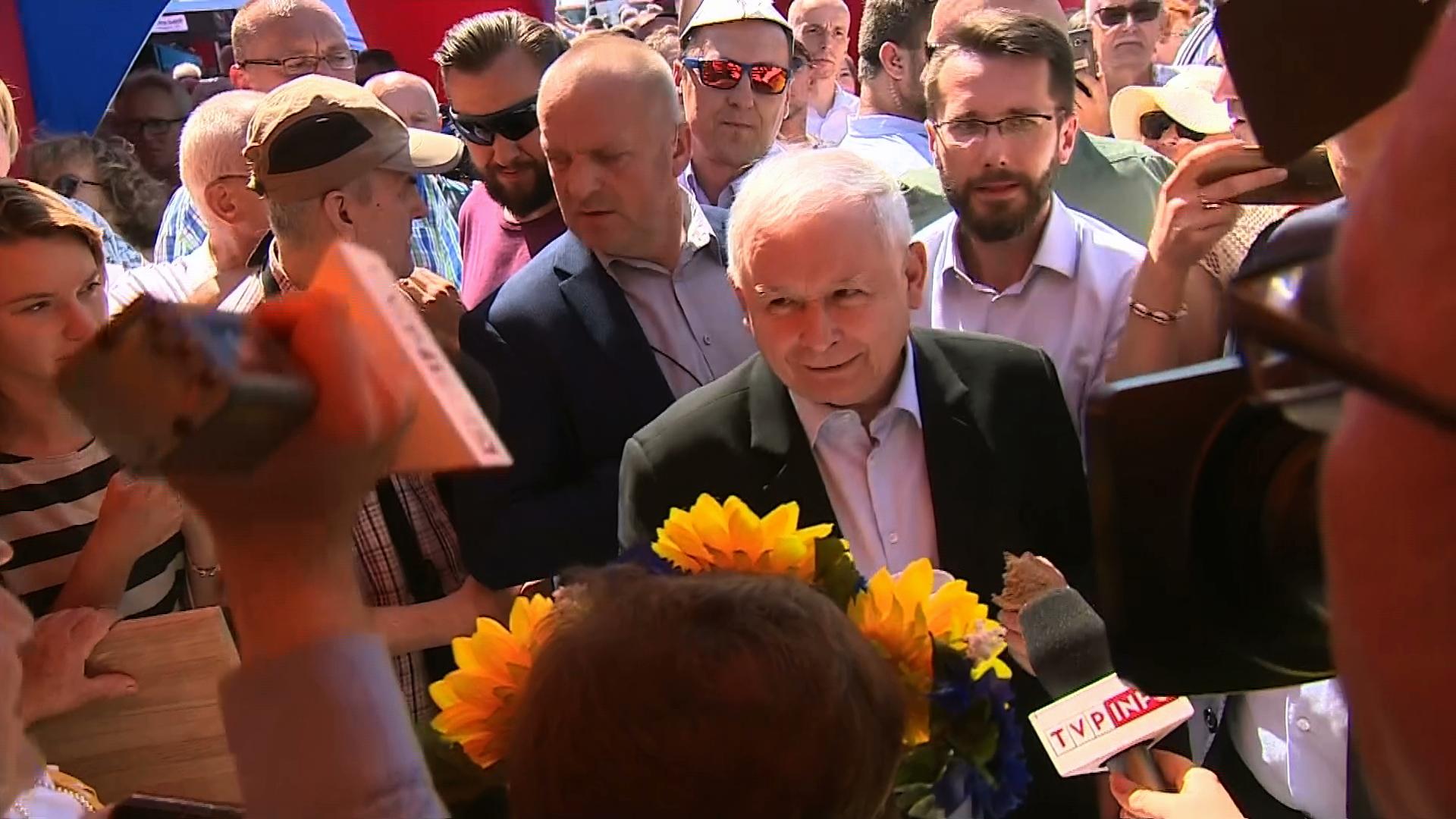 """Kaczyński na pikniku rodzinnym. """"Widzę tu napis: konstytucja. Zmienimy konstytucję"""""""