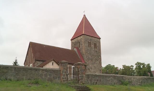 Zakażony ksiądz odprawiał msze w czterech kościołach